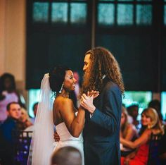 wedding beauty couple Beautiful interracial couple during their first dance as husband and wife Interracial Couples, Interracial Dating Sites, Interracial Wedding, Biracial Couples, Beautiful Couple, Love Couple, Couple Goals, Black Woman White Man, Black Love