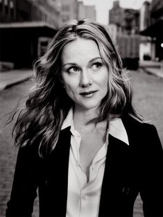"Laura Linney (a lasting impression: Primal Fear, The Truman Show, ""More Tales of the City"", You Can Count on Me, The Mothman Prophecies, The Life of David Gale, P.S., Kinsey, The Squid and the Whale, The Exorcism of Emily Rose, Jindabyne, The Savages, The City of Your Final Destination, ""The Big C""...)"
