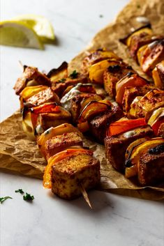 Vegan Grilled Tofu Kebab Skewers - this Tofu Recipe is the perfect BBQ Recipe. It is made with marinated Tofu, bell peppers and onions. Make this for your next BBQ Party as a finger food. This is our go-to vegan BBQ Recipe #veganbbq #vegantofu #vegangrilling #vegandinner #tofu Vegan Dinners, Healthy Dinner Recipes, Whole Food Recipes, Vegetarian Recipes, Grilled Vegan Recipes, Vegan Foods, Grilled Tofu, Marinated Tofu, Grilled Skewers