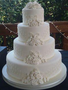 White Roses Wedding, Wedding Cake Roses, White Wedding Cakes, Elegant Wedding Cakes, Beautiful Wedding Cakes, Gorgeous Cakes, Wedding Cake Designs, Rose Wedding, Cake Piping