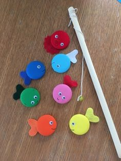 """Walnut Button, Fish Basket Toy"" With the walnut button, you can easily make a perfect fis Baby Crafts, Fun Crafts, Diy And Crafts, Arts And Crafts, Montessori Activities, Toddler Activities, Preschool Activities, Diy For Kids, Crafts For Kids"