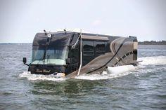 The Terra Wind amphibious Motor Coach/Yacht in water, driven by two 19 inch propellers. Moto Home, Cool Rvs, Kombi Motorhome, Motorhome Travels, Luxury Motorhomes, Amphibious Vehicle, Cool Campers, Rv Campers, Vw T