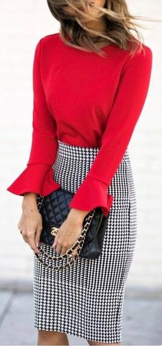 Pencil Skirt Outfits // Casual Skirt Outfits // How to wear skirt outfits // Fashion casual outfits // Trending women's Clothes // Office outfits ideas Mode Outfits, Office Outfits, Fall Outfits, Office Skirt Outfit, Office Wear, Outfit Work, Women's Red Outfits, Office Dresses, Spring Outfit For Work