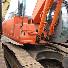 You'd better spin your Hitachi Excavator ZX 330 before using Used Excavators, Komatsu Excavator, Spinning, Tractors, Wellness, Hand Spinning, Indoor Cycling