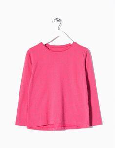 T-shirt de manga comprida para menina 100% algodão e estampada.