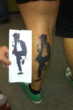Tattoos inspired by Michael Jackson ღ in fans who love him! Leg Tattoos, Cool Tattoos, Michael Jackson Tattoo, Wicked Tattoos, Get A Tattoo, Tattoo Inspiration, Body Art, Piercings, Marilyn Manson