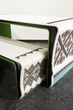Muebles de punto de cruz de Yaroslav Galant