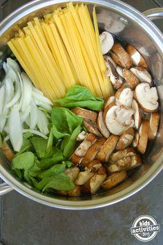 macarrão + espinafre + cogumelos