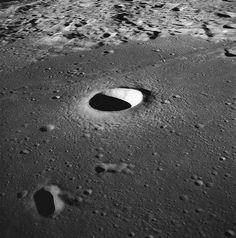 Rimae Hipatia: Cráter de la Luna bautizado en honor de la científica alejandrina. (foto tomada por el Apolo 10)