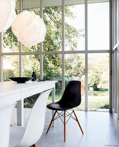 Fallin in love with a chair. Eames, 1950'