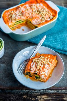 Zucchini summer lasagna with grilled bell pepper - Brenda Cook! - Zucchini summer lasagna with grilled bell pepper – Brenda Cook! I Love Food, Good Food, Yummy Food, Veggie Recipes, Vegetarian Recipes, Healthy Recipes, Veggie Lasagne, Lasagne Pesto, Healthy Cooking