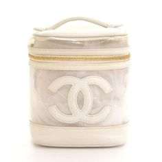 Pre-Owned Chanel Vanity White Leather X Vinyl Cosmetic Hand Bag cf766 (1.435 BRL) ❤ liked on Polyvore featuring beauty products, beauty accessories, bags & cases, bags, chanel, white, makeup purse, travel bag, wash bag and cosmetic purse