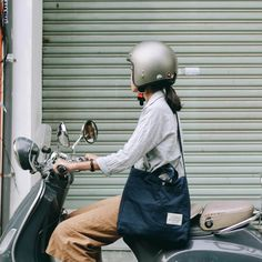 """1,310 lượt thích, 12 bình luận - ALL ITEMS DESIGNED BY US (@acohi_co) trên Instagram: """"We always love the old things like Vespa and 3/4 helmet and #acohimailbag in Navy seems like a good…"""""""