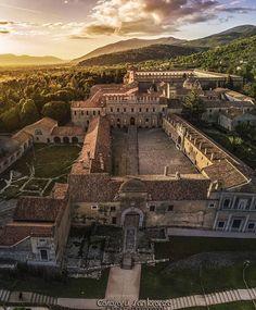 "10.3 mil curtidas, 60 comentários - ITALIA  (@ig_italia) no Instagram: "" @mannic_photograph  Salermo ⠀ La certosa di Padula, o di San Lorenzo, è una certosa situata a…"""