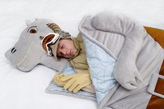On earth, you ride horses, On the icy planet of Hoth, you ride on a Tauntaun. Now with this snuggly Tauntaun sleeping bag, you can cozy up and it will keep you warm on those chilly nights camping. Bonus: the inside of the bag is complete with intestines