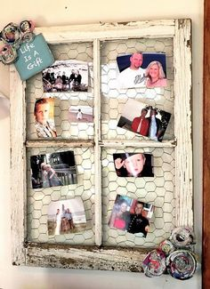 DIY Creative Ways to Repurpose and Reuse Old Windows as Picture Frames Old Window Decor, Old Window Frames, Window Panes, Barn Window Ideas, Window Picture Frames, Photo Window, Picture Walls, Diy Projects To Try, Craft Projects