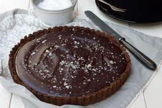 Suolakinuski-suklaapiiras