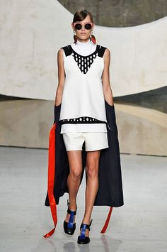 Marni spring/summer 2016 collection show pictures | Harper's Bazaar