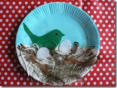 'Arts and Crafts for Tots' bird nest paper plate craft.