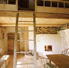Raj na Saaremaa - dom w Estonii - Weranda Country Tiny Spaces, Loft Spaces, Interior Exterior, Interior Architecture, Converted Barn Homes, Sleeping Loft, Beautiful Interiors, Malm, Sweet Home