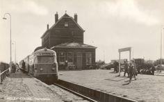 De gasten kwamen voornamelijk uit Rotterdam en andere steden om in een rustige omgeving bij te komen. Nieuw Helvoet was erg in trek vanwege het strand en het prachtige natuurgebied. Er werd veel gebruikt gemaakt van de RTM (Rotterdamsche Tramweg Maatschappij), de gasten kwamen aan met de tram vanuit Rotterdam. Ondanks dat veel mensen reisden met de tram werd de stoomtram in de volksmond ook wel het moordenaartje genoemd. De tram is op 14 februari 1966 opgeheven.