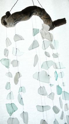 Sea-Glass Mobiles with Craft Editor Hannah Milman seaglass & driftwoodseaglass & driftwood Mobiles, Sea Glass Crafts, Sea Glass Art, Broken Glass Crafts, Stained Glass, Beach Crafts, Fun Crafts, Diy Projects To Try, Art Projects