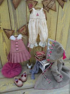 Trendy baby diy clothes girl how to make Sewing Doll Clothes, Baby Doll Clothes, Sewing Dolls, Doll Clothes Patterns, Clothing Patterns, Diy Clothes, Sasha Doll, Doll Wardrobe, Waldorf Dolls