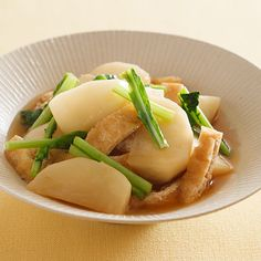 レタスクラブの簡単料理レシピ だしがしみこんだ上品な一皿「かぶの炒め煮」のレシピです。