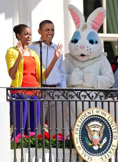 Hay kids look who it it....Barry and the Esta Bunny.  And I'm wearing three different colors (and I bet the shoes make four)