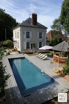 Save Cash Living From Paycheck to Paycheck Yes,saving money is difficult when you live from paycheck to paycheck. Terrasse Design, Swimming Pool Designs, Pool Decks, Cool Pools, Travel Light, Habitats, Facade, Villa, House