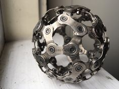 Bicycle Chain Ball Recycled Metal Art Sculpture Banausic Designs Paper Weight The background of your island nation of Japan paints a transparent photograph Bike Craft, Metal Art Sculpture, Art Sculptures, Recycled Metal Art, Art Of Fighting, Metal Yard Art, Metal Projects, Art Model, Types Of Art