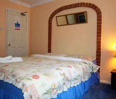 Bed and Breakfast services near Gatwick airport for short & long term stay at reasonable price. http://bit.ly/1KIqF94  #BedBreakfastGatwick