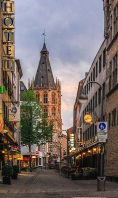 Somewhere in Cologne. Travel Images, Travel Pictures, Pictures Of Germany, Places To Travel, Places To Go, Dusseldorf Germany, North Rhine Westphalia, Cologne Germany, Largest Countries