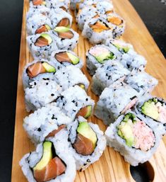 I LOVE SUSHI I LOVE SUSHI Related posts: Interesse? I Love Food, Good Food, Yummy Food, Tempura, Dessert Chef, Mochi, Sushi Love, Homemade Sushi, Food Goals