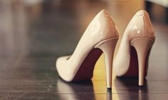 nude pumps. I MUST FIND SOME