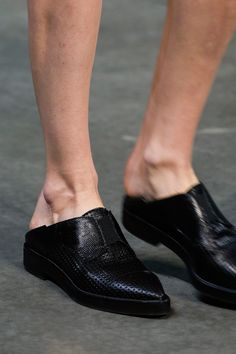 Helmut Lang Spring 2014 Ready-to-Wear Collection Bowling Shoes, Provocateur, Shoe Boots, Shoe Bag, Only Shoes, Helmut Lang, Types Of Shoes, Loafers Men, Designer Shoes
