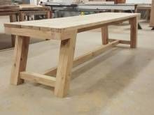 Robuuste tafel eikenhout brede planken