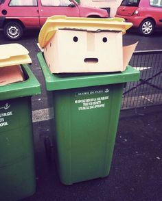 This trash can looks like Donald Trump Donald Trump, Donald Duck, Photoshop, Things With Faces, Hidden Face, Street Photographers, Everyday Objects, Everyday Items, Funny Faces