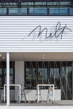 SMa: Example of how signage becomes the architectural element - too small for the cafe 'tower' but effective Australian Interior Design, Interior Design Awards, Commercial Interior Design, Commercial Interiors, Cafe Interior Design, Design Café, Beach Design, Facade Design, Store Design