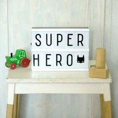 Svítící černobílý box s vyměnitelnými nápisy Lightbox Letters, Diy Letters, Lightbox Quotes, Kids Room Lighting, Room Lights, Decoration Design, Deco Design, Citations Lightbox, A Little Lovely Company