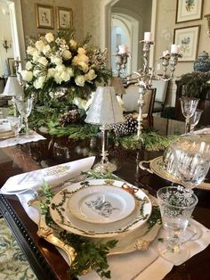 Recap on my Christmas dinner table! - The Enchanted Home Christmas Table Settings, Christmas Tablescapes, Christmas Dinner Plates, Red Christmas, Dining Room Design, Dining Room Table, Enchanted Home, Beautiful Table Settings, Elegant Dining