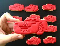 McQueen Cookies #borniskitchen #mcqueen #cars