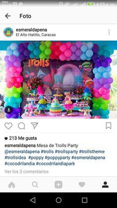 These balloons are rad Trolls Party, Trolls Birthday Party, 4th Birthday Parties, Second Birthday Ideas, Baby Girl First Birthday, Third Birthday, Balloon Decorations Party, Birthday Party Decorations, Princess Poppy