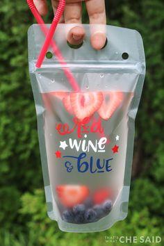 Strawberry Sangria, Peach Sangria, Bebida Boba, Oshi Sushi, Red White And Brew, Drink Bag, Alcoholic Drinks, Beverages, Cocktails