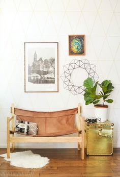 DIY Midcentury Modern Decor Ideas - Ugly Sofa Upcycled Into Leather Safari Sling Bench - DYI Mid Centurty Modern Furniture and Home Decorations - Chairs, Sofa, Wall Art , Shelves, Bedroom and Living Room Estilo Interior, Diy Interior, Interior Design, Furniture Makeover, Diy Furniture, Modern Furniture, Furniture Reupholstery, Furniture Vintage, Metal Furniture