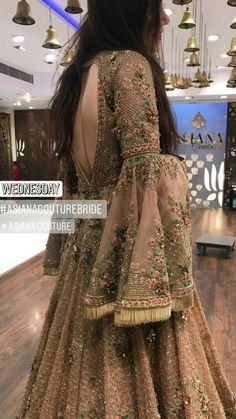 custom made lehenga queries : nivetasfashion whatsapp for custom made Bridal Lehengas INTERNATIONAL DELIVERY Source by ruviss Dresses Muslim Wedding Dresses, Pakistani Wedding Outfits, Indian Gowns Dresses, Shadi Dresses, Pakistani Bridal Dresses, Pakistani Dress Design, Bridal Outfits, Nikkah Dress, Indian Designer Outfits