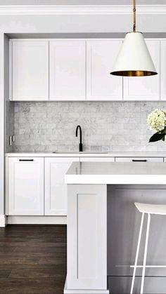 Kitchen Pantry Design, Modern Kitchen Cabinets, Modern Kitchen Design, Home Decor Kitchen, Interior Design Kitchen, Home Kitchens, Kitchen Ideas, Modern Kitchen Renovation, Kitchen Layout