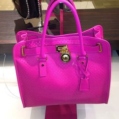Michael Kors Out-let, 2016 Womens Fashion Styles Michael Kors Hamilton USD, MK Handbags Out-let High-Quality And Fast-Delivery Here. Michael Kors Bags Outlet, Michael Kors Sale, Handbags Michael Kors, Michael Kors Hamilton, Mk Handbags, Designer Handbags, Handbags Online, Handbag Stores, Wholesale Bags