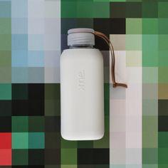 SQUIREME GLASS BOTTLE Y1 WHITE DOVE – Kladi White Doves, Glass Bottles, Water Bottle, Drinks, Drinking, Beverages, Water Bottles, Drink, Beverage