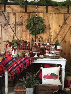 Warm up with the ideas in this Vintage Rustic Plaid Christmas Party at Kara's Party Ideas! See the adorable and on point ideas here! Christmas Events, Christmas Party Decorations, Christmas Night, Christmas Centerpieces, Plaid Christmas, Country Christmas, Outdoor Christmas, Christmas Themes, Christmas Wreaths